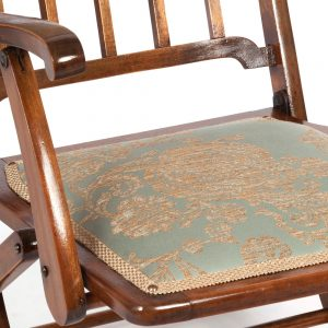Arts-&-Crafts-Chair-Close-u